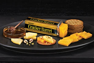CRACKER BARREL Sharp Cheddar Pairing Tray